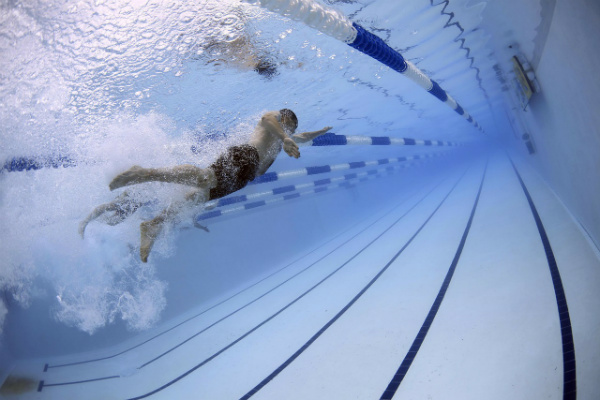 himalayan salt nutrition performance swimmer in a pool